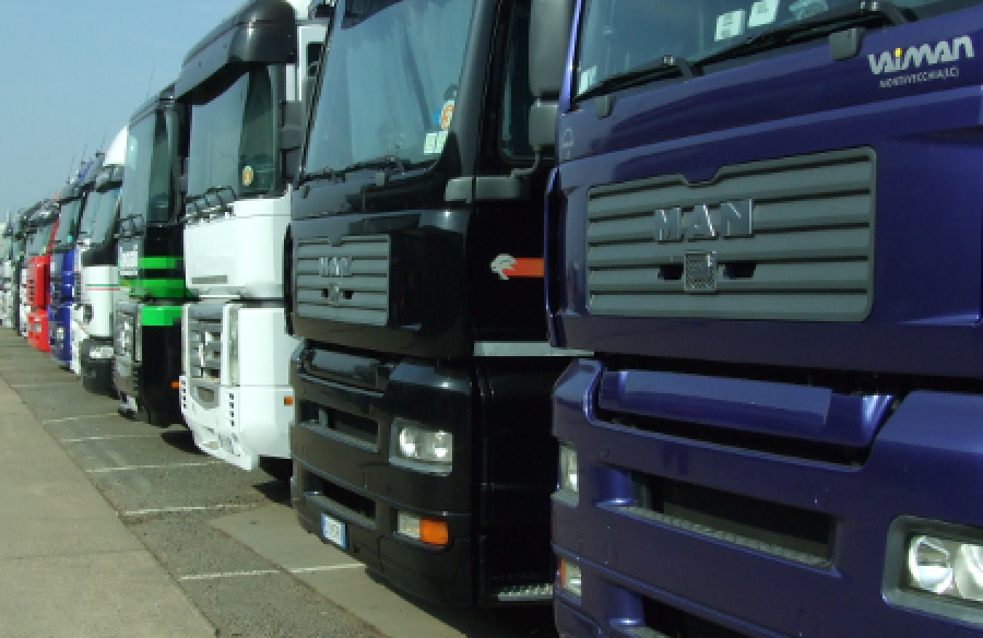 Commercial vehicle registrations in the EU: +14.8% in December, +12.4% in 2015