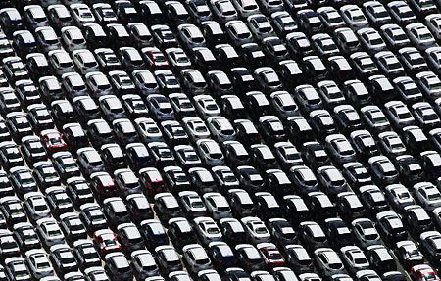 Passenger car registrations in the EU: -23.5% in September, +2.5% in nine months