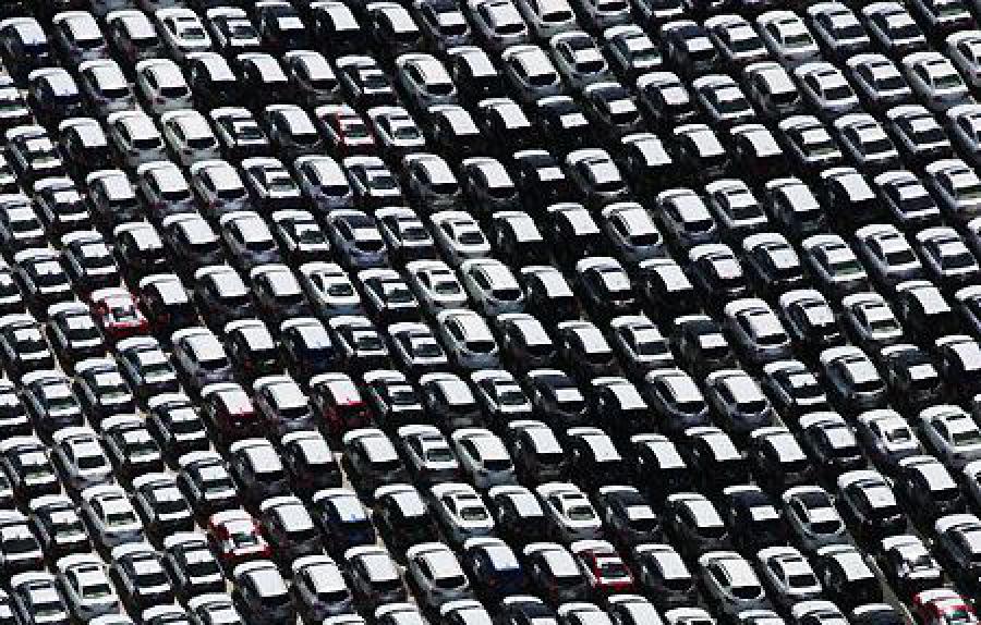Mercato europeo dell'auto: -3,9% a marzo, -3,3% nei primi tre mesi